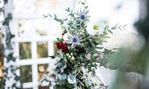 Voilage et décorations fleuries pour mariage au Coq en pâte